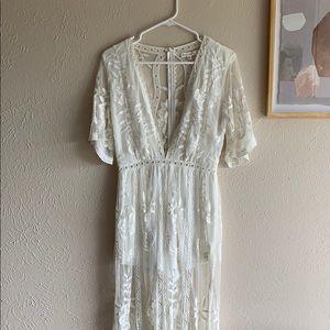 Honey Punch White lace dress
